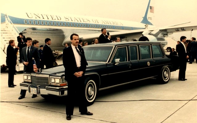 George H W Bush Returned To Lincoln For His Limousine Requesting A Custom Built Stretch 1989 Town Car The Came Equipped With Smaller Raised Roof