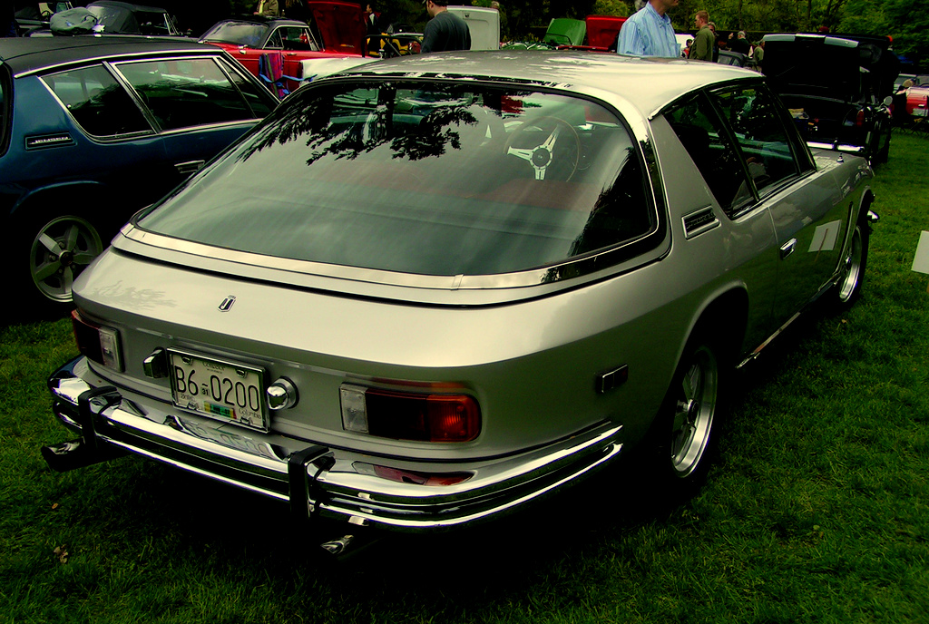 Jensen_Interceptor_rear
