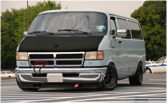high-speed-molester-van-4